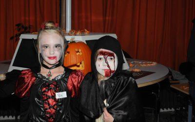 Flirtbörse, Werwölfe und gute Musik auf der Halloweenparty am EBG