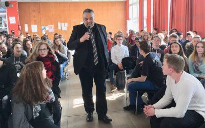 Landtagsvizepräsident Oliver Keymis (Bündnis 90/Die Grünen) zu Besuch am EBG
